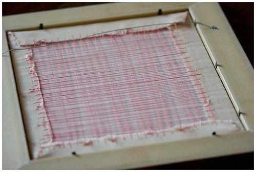 Как натянуть вышивку в рамку своими руками видео