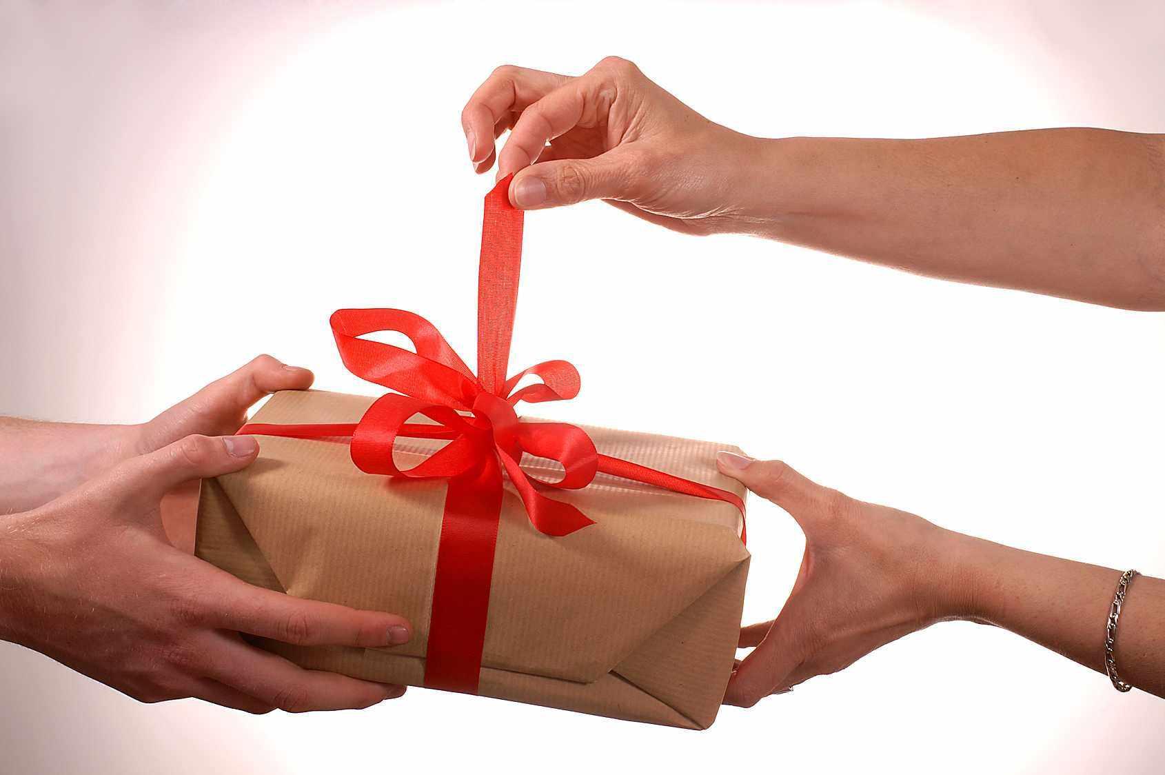 Какие дарить подарки на конкурсы