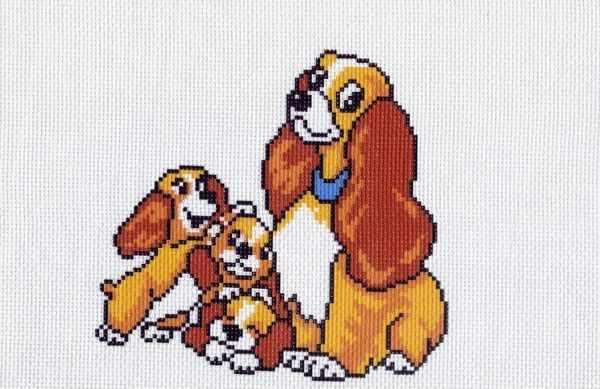 569 Дружная семейка - рисунок на канве (МП)