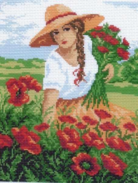 763 Девушка с маками - рисунок на канве (МП)