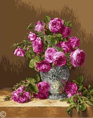 912 Розы в серебряной вазе