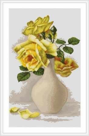 B508 Желтые розы в белой вазе (Luca-S)