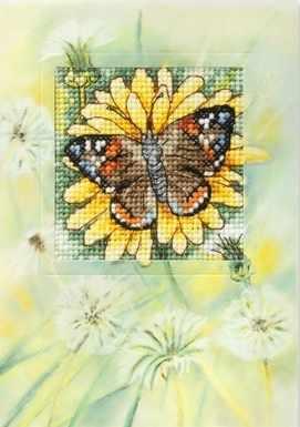 OR 6226 Бабочка на желтом цветке
