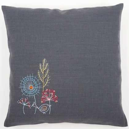 PN-0156055 Embroidery cushion (Vervaco)