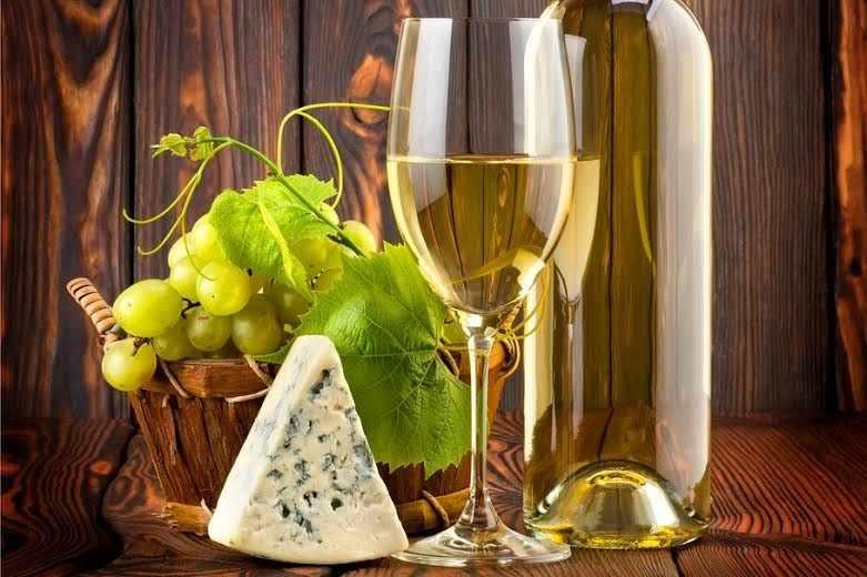 Сыр и вино (АЖ-1111)