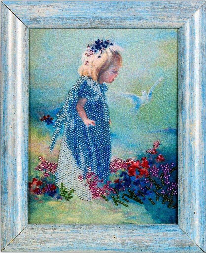 В1004 Ангелочек с голубем - рисунок на атласе (Alisena)