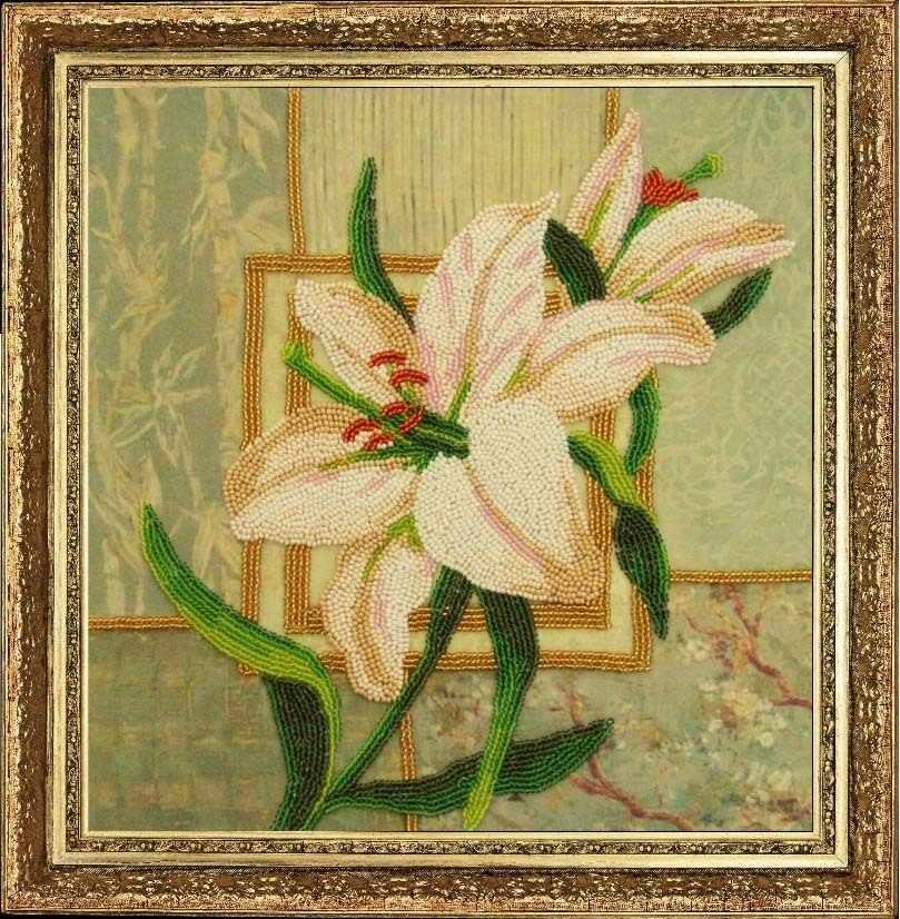 252 Белая лилия - Butterfly