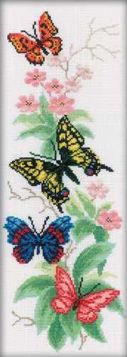 M146 Бабочки и цветы
