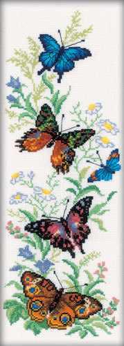 M147 Бабочки и цветы