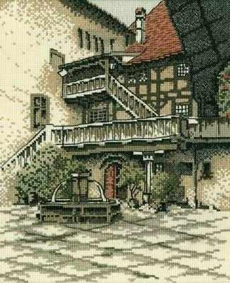 R139 Внутренний дворик замка