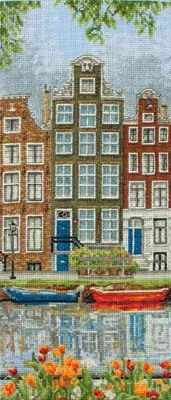 PCE0814 Amsterdam Street Scene