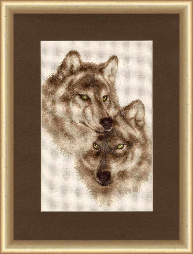 ДЖ-037 Влюбленные волки. Дикие животные