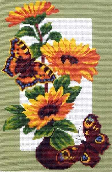 473 Бабочки на подсолнухах - рисунок на канве (МП)
