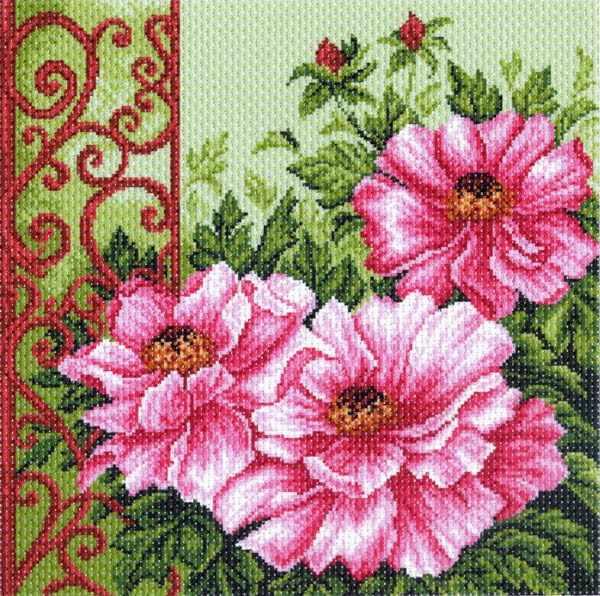 1347 Пионы в саду - рисунок на канве (МП)