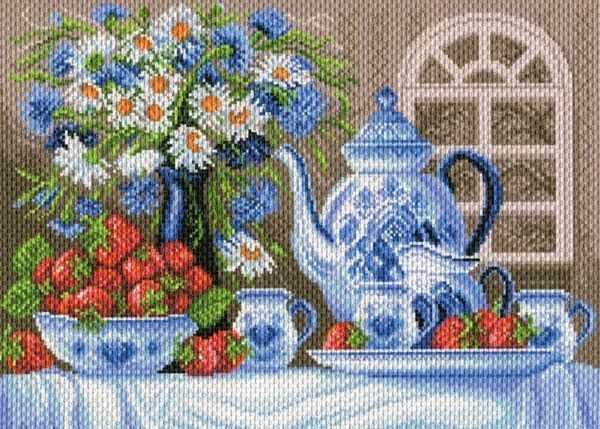 1809 Клубничное чаепитие - рисунок на канве (МП)
