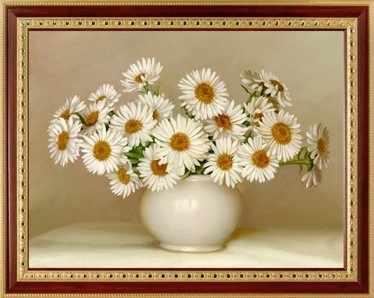 137  Ромашки в белой вазе