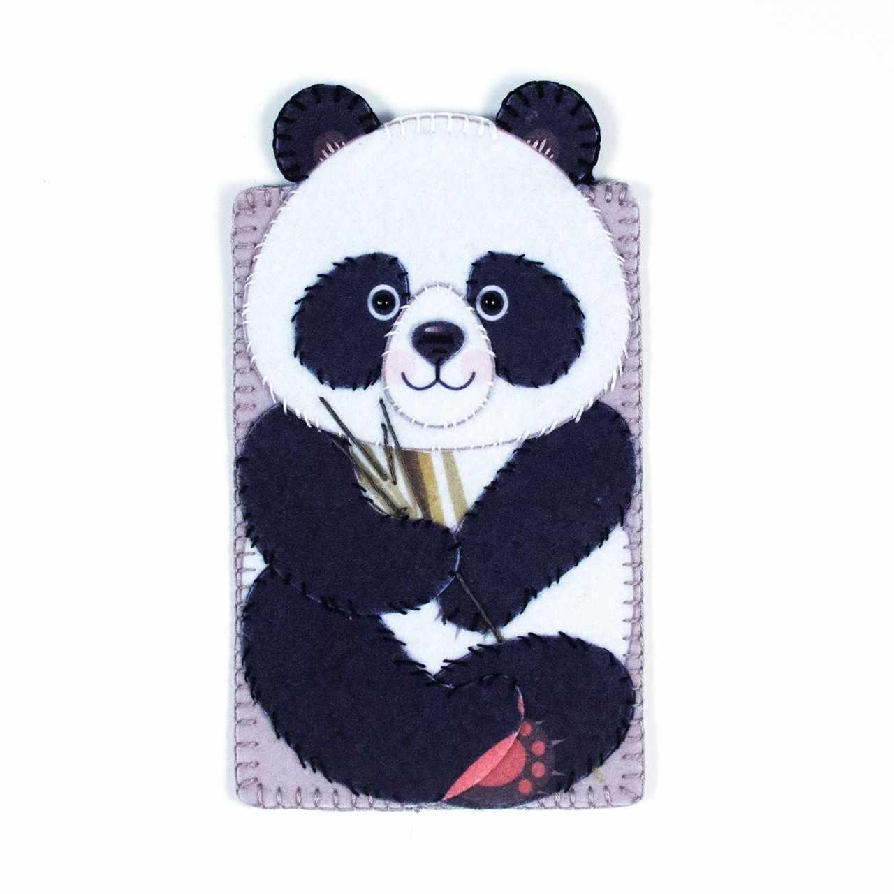 """8366 Чехол для телефона """"Милая панда"""" - набор для вышивания (МП)"""