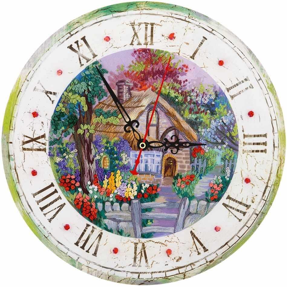 """ЖК-2107 """"Часы с домиком"""""""