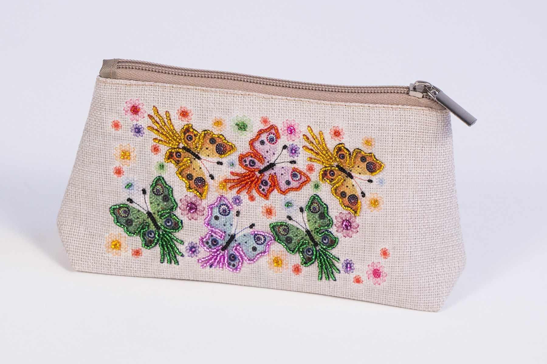 8544 Полет бабочек - набор для вышивания