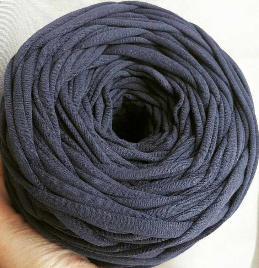 Трикотажная пряжа Цвет. Темно-синий