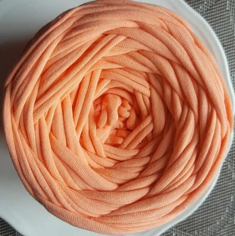 Трикотажная пряжа Цвет.Персик