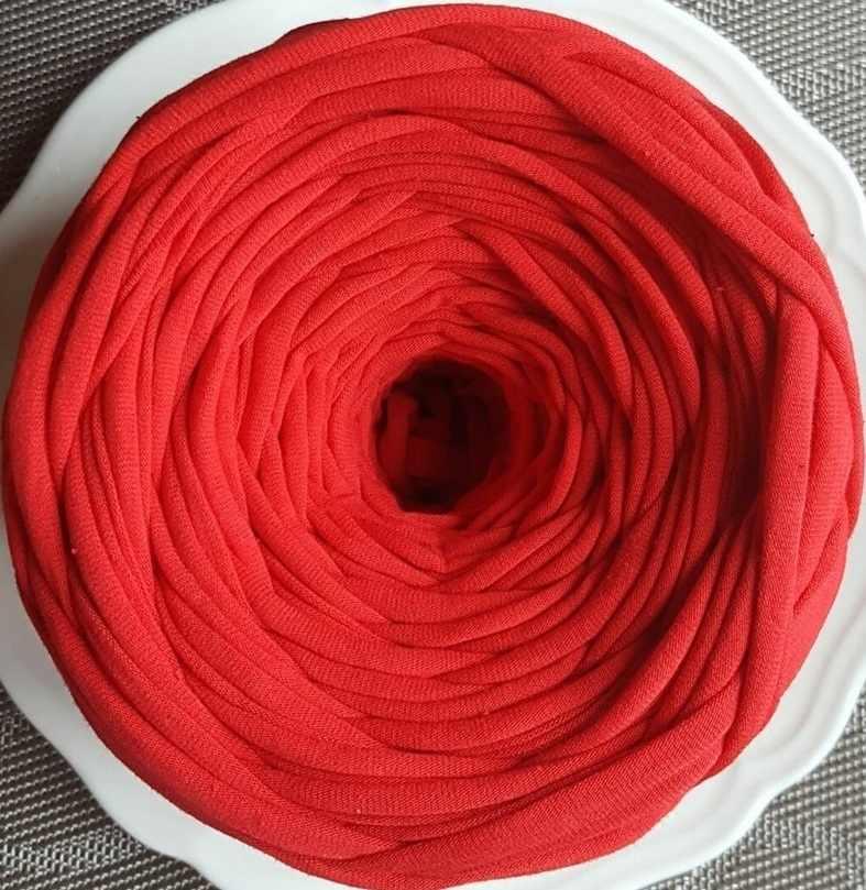 Трикотажная пряжа Цвет. Красный