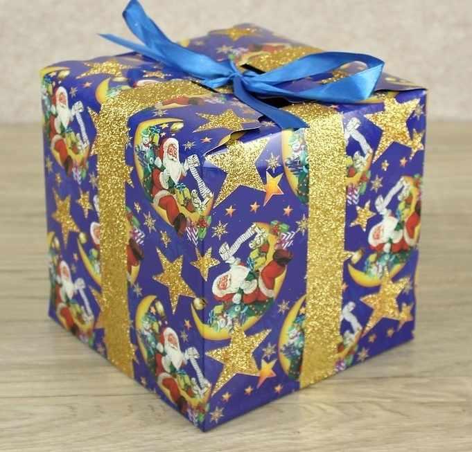 2748399 Подарочная коробка сборная