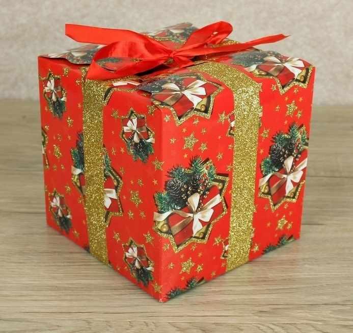 2748401 Подарочная коробка сборная