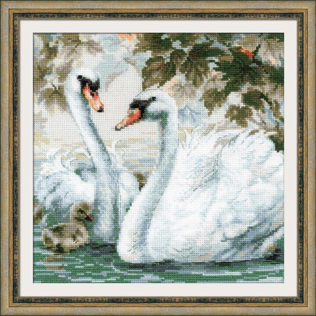 "1726 ""Белые лебеди"""