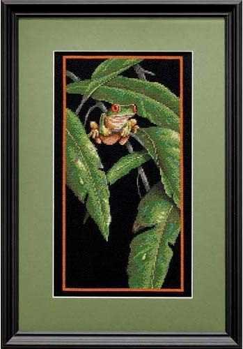 35251-DMS Древесная лягушка в листве