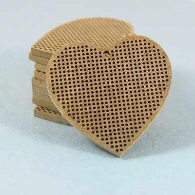А006 сердце с петлей в центре