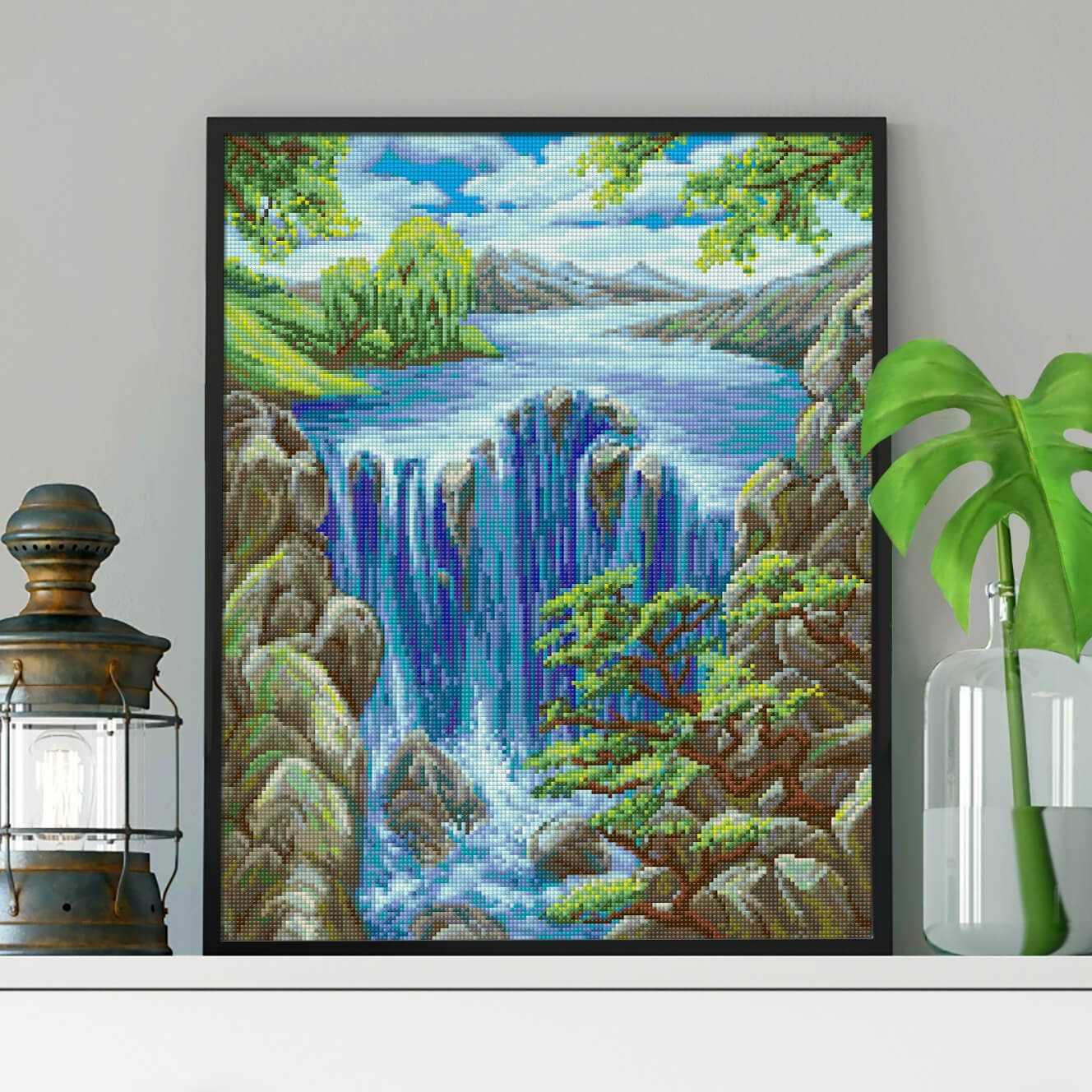 Водопад среди скал (АЖ-1643) - картина стразами