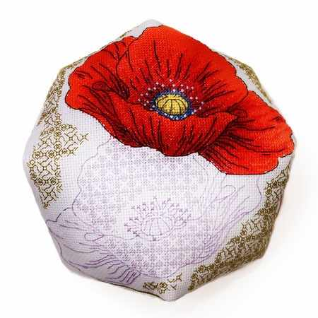 7018 Декоративна подушка – мак (Alisena)