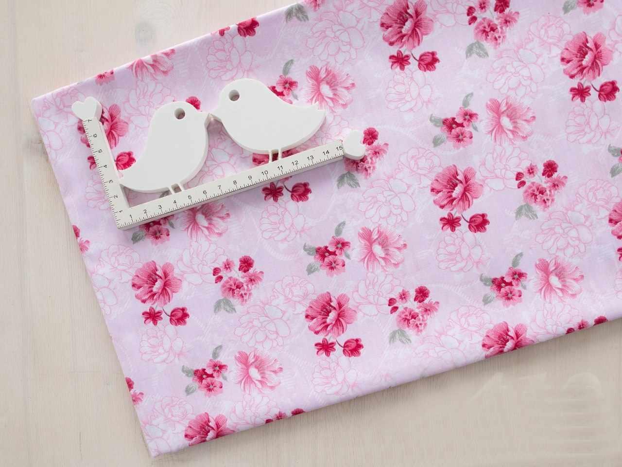 К412 Мелкие цветы на розовом