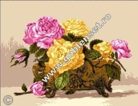 0946 Розы в фарфоровой вазе