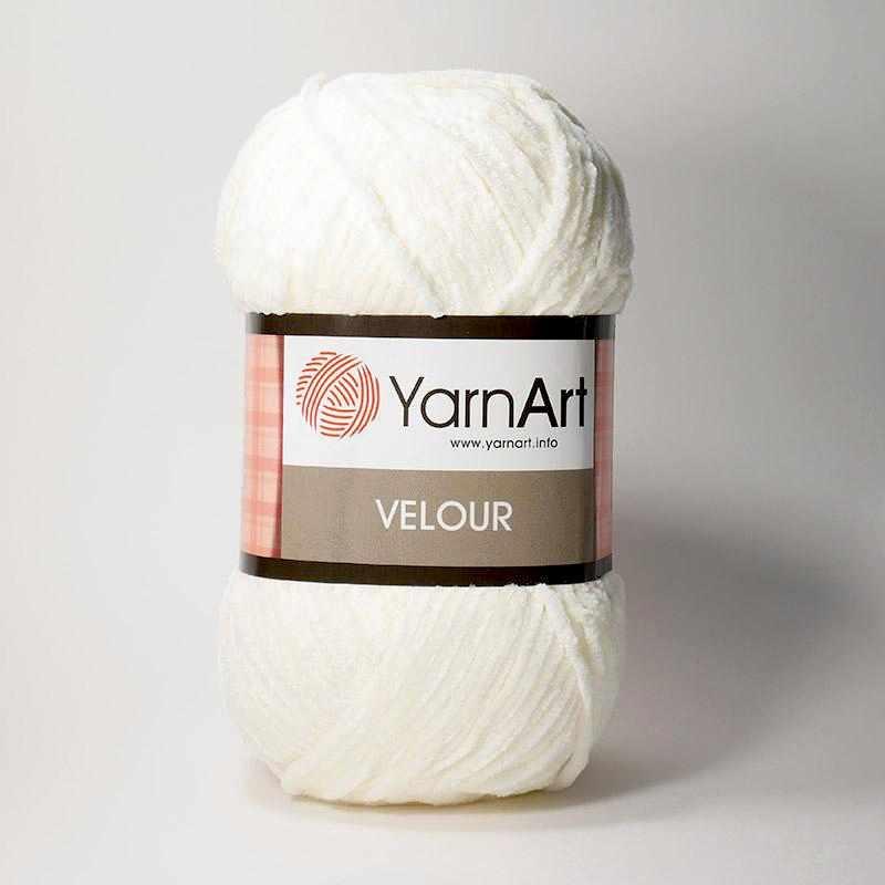 Пряжа YarnArt Velour Цвет. 841 Молочный