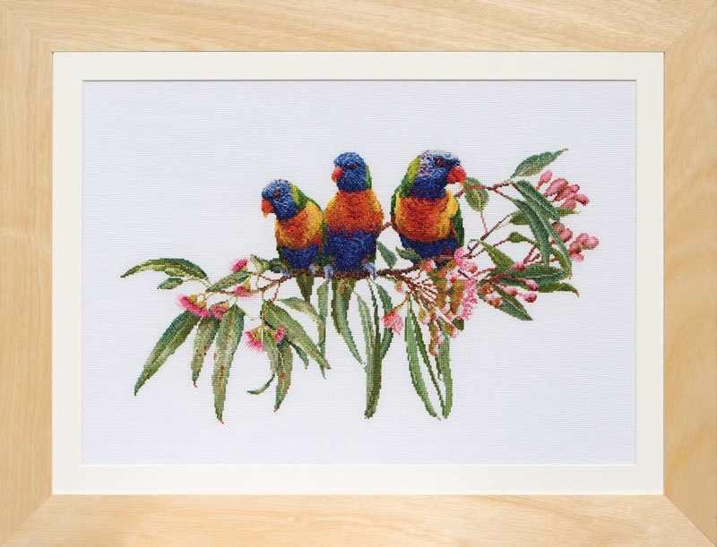 0553 Стайка попугаев