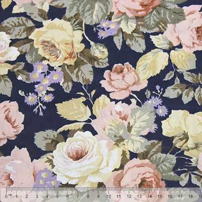 к82 крупные розы на синем фоне (50*80 см)