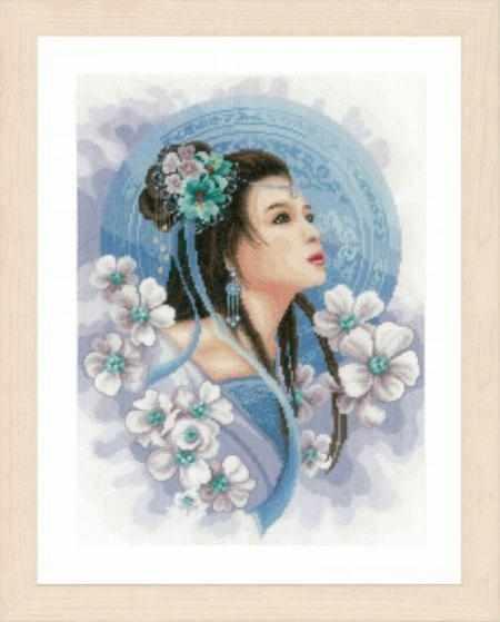 PN-0169168 Asian lady in blue