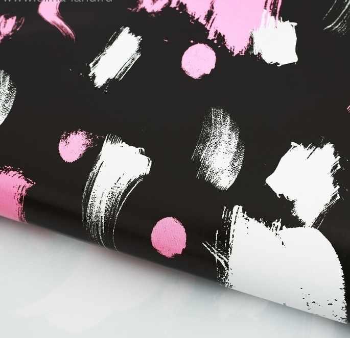"""2885293 Бумага упаковочная глянцевая """"Мазки на черном фоне"""""""