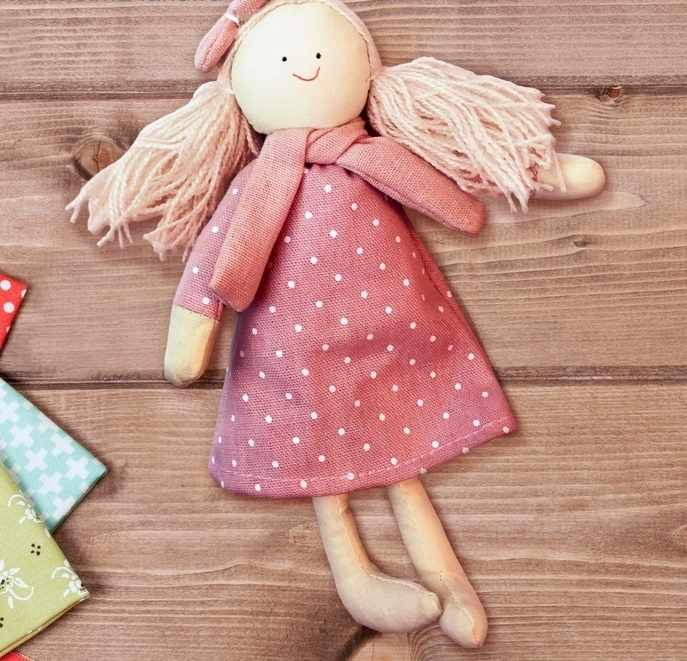 """3441970 Набор для создания подвесной игрушки из ткани """"Девочка с бантиком"""""""