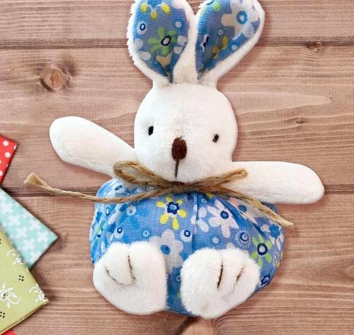 """3441950 Набор для создания подвесной игрушки из меха """"Зайчик"""", цвет голубой"""