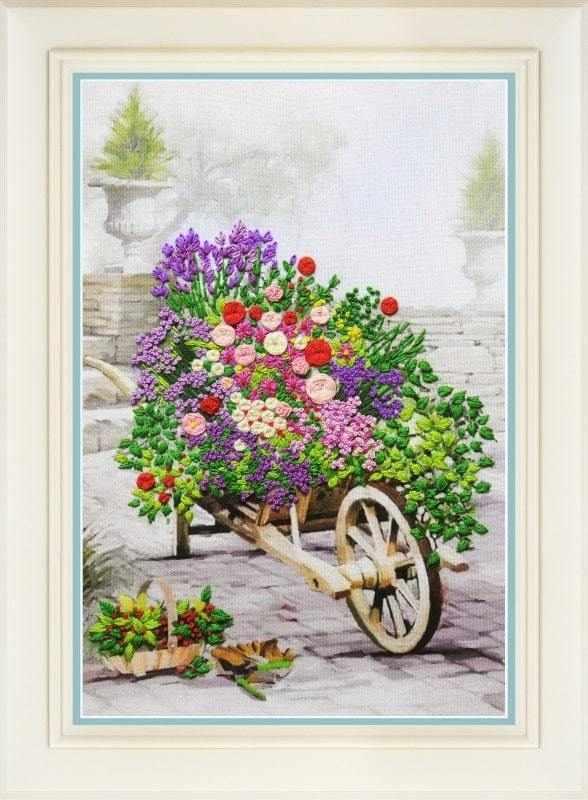 R-040 Цветы в саду