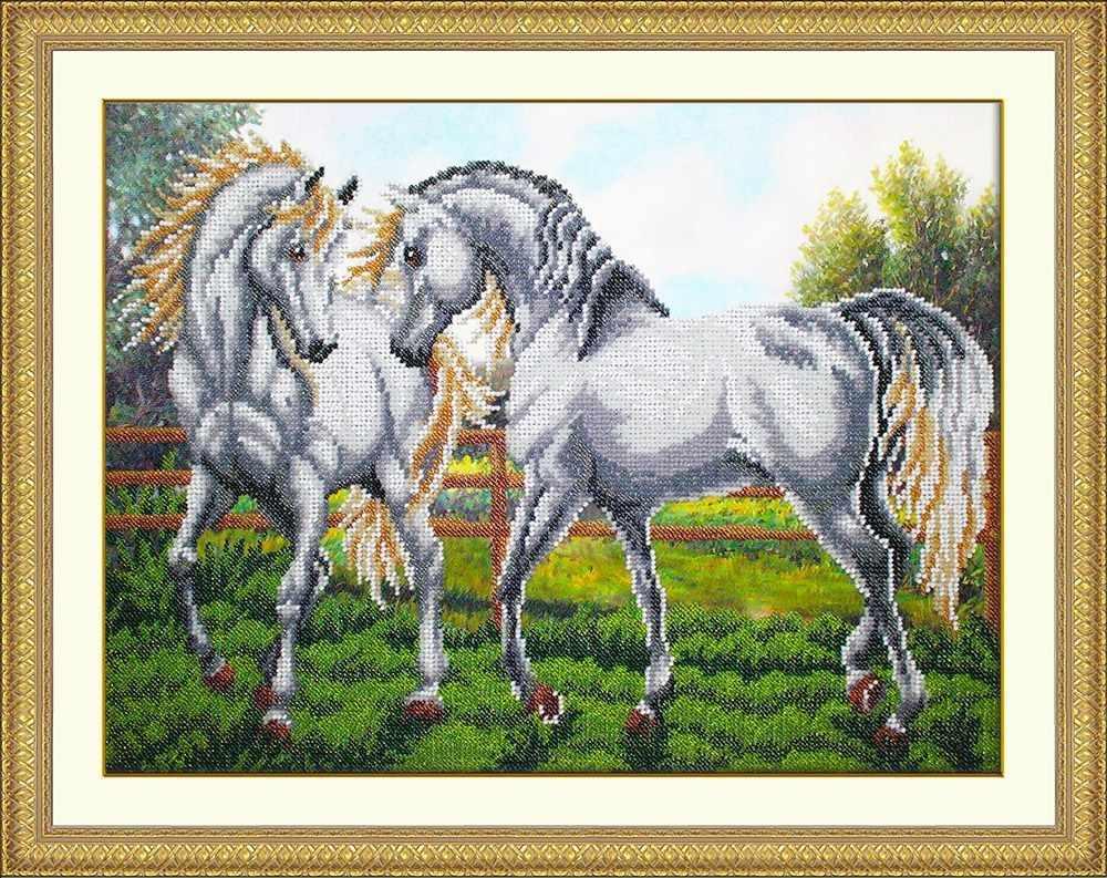 Б1474 Пара белых лошадей (Паутинка)