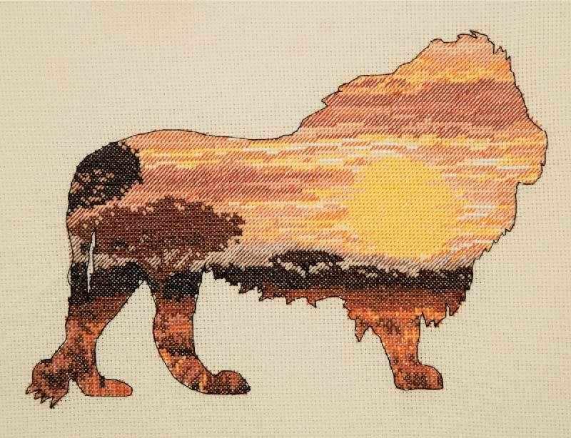 5678-5041 Лев в саванне