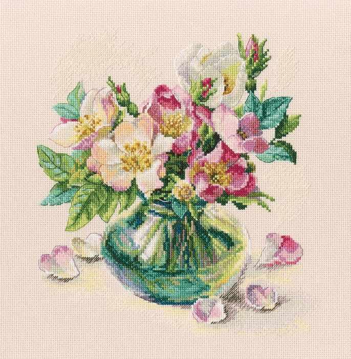 M721 - Нежные цветы шиповника