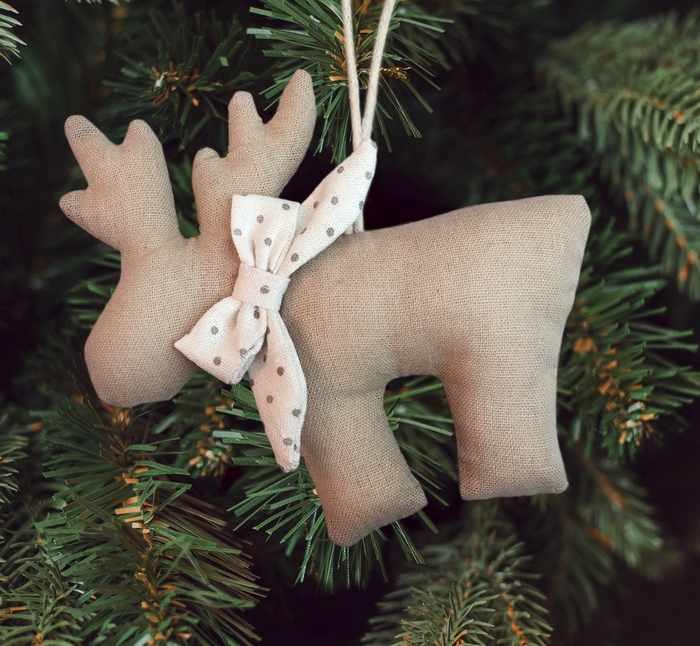 """3441967 Набор для создания подвесной елочной игрушки из ткани """"Олень с бантиком"""""""