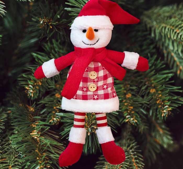 """3441975 Набор для создания подвесной елочной игрушки из фетра """"Снеговик в красных сапожках"""""""