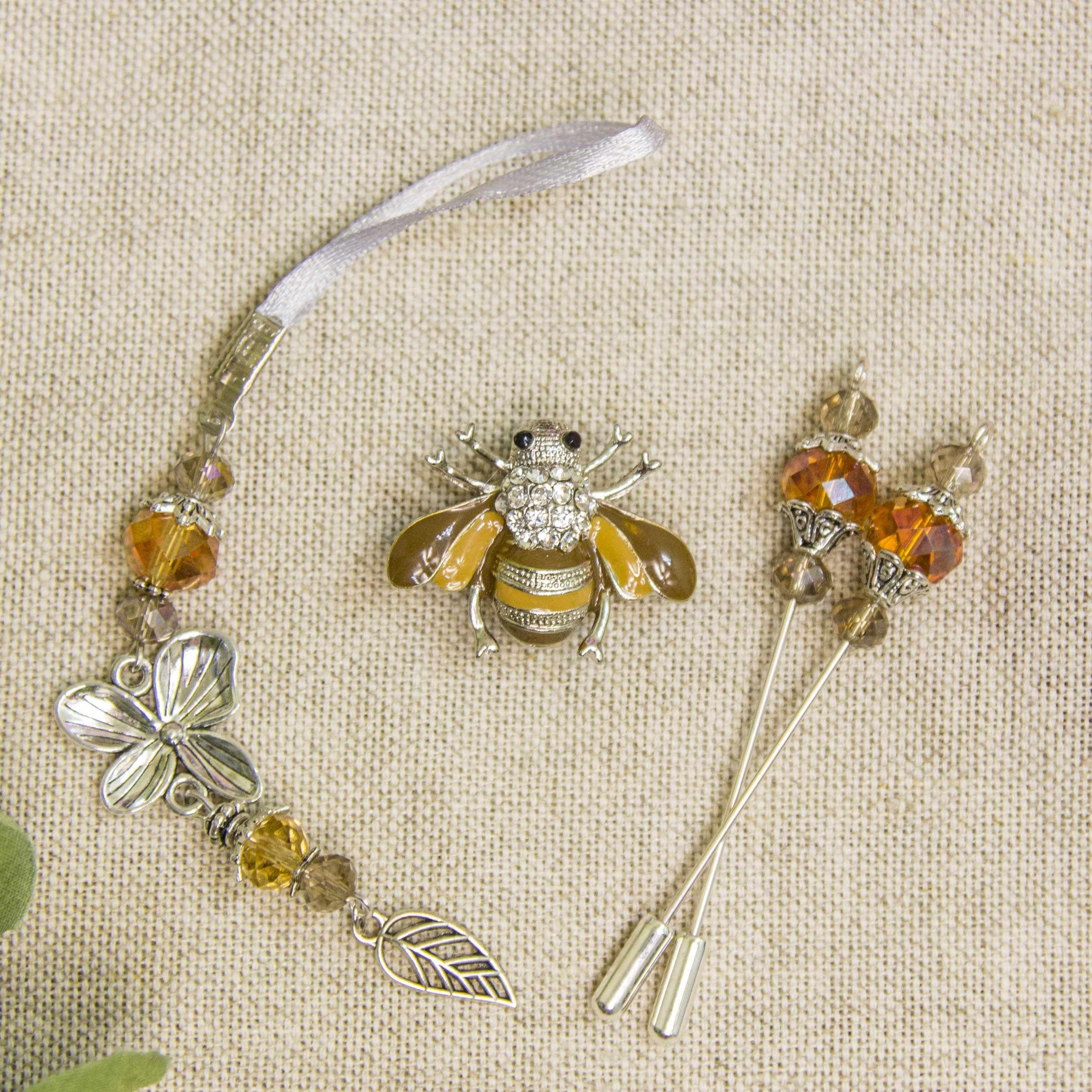Набор аксессуаров. Белая пчела