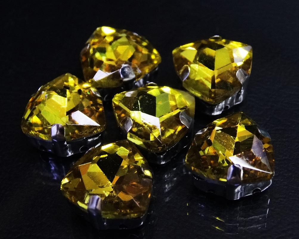 ТЦ001НН12 Хрустальные стразы в металлических цапах (Серебро) Желтый 12 мм 3 шт/упак.
